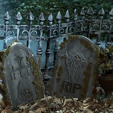 Halloween Cemetery Guide - A Super Simple Guide To Creepy (Im)Perfection (Guest Post) - Helping ...
